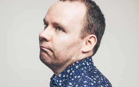 Neil Delamere:Learning to Handstand